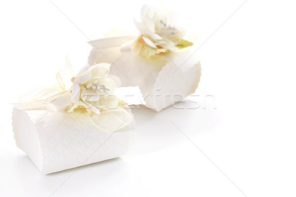 Сток-фото: небольшой · настоящее · окна · украшенный · цветок · белый