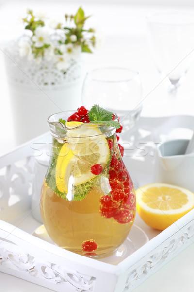 Erfrischend Eistee Sommer Limonade frischen Früchte Stock foto © brebca