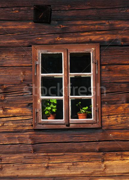 Holz Haus Fassade Fenster Holz home Stock foto © brebca