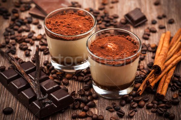 Delicioso tiramisu postre ingredientes alimentos chocolate Foto stock © brebca