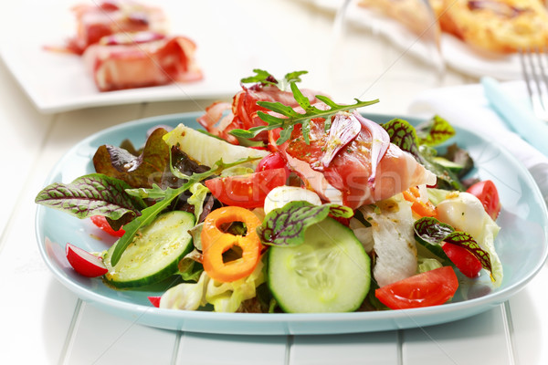 Légumes salade prosciutto fromages grand Photo stock © brebca