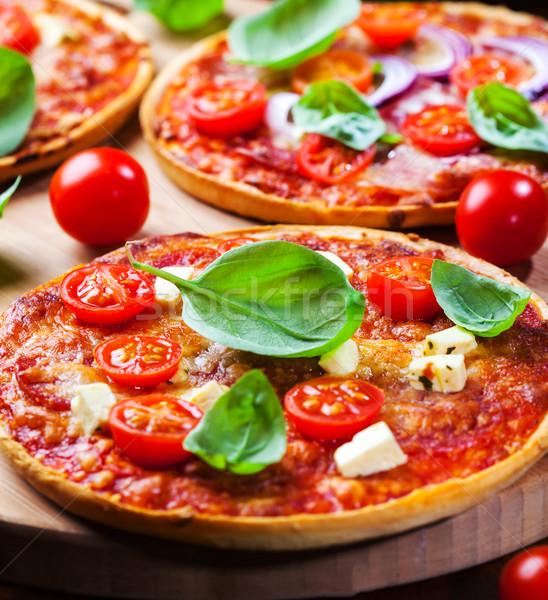 Geleneksel ev yapımı pizza domates peynir restoran Stok fotoğraf © brebca