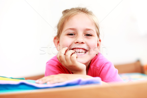 Cute souriant fille belle faible enfants Photo stock © brebca