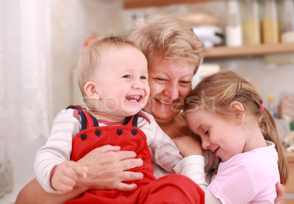 Szczęśliwą rodzinę cute mały chłopca dziewczynka szczęśliwy Zdjęcia stock © brebca