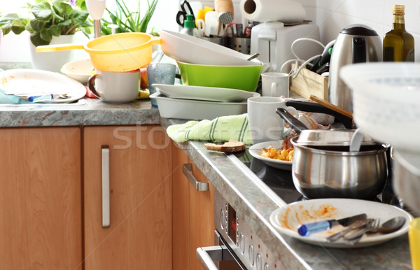 Salissant cuisine sale plats compulsif Photo stock © brebca