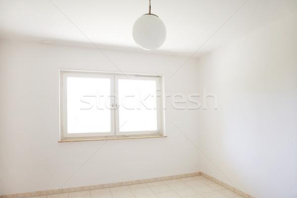Habitación vacía movimiento fuera dos Windows pared Foto stock © brebca