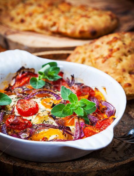 Sült fetasajt zöldségek olajbogyó kenyér paradicsom Stock fotó © brebca