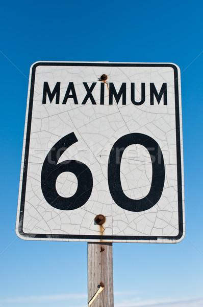 треснувший максимальный 60 знак выветрившийся Сток-фото © brianguest