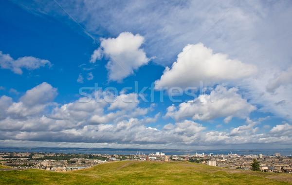 Edinburgh Błękitne niebo widoku mętny niebo zegar Zdjęcia stock © broker
