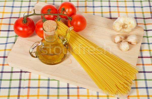 étel egészséges paradicsomok olívaolaj fokhagyma spagetti Stock fotó © broker