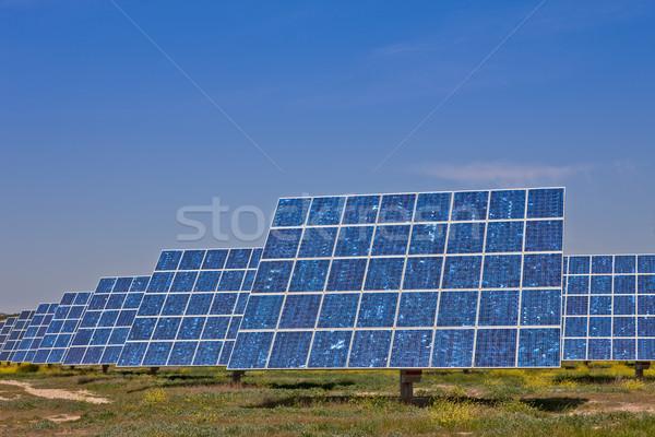 Energie rinnovabili pannelli solari centrale elettrica industriali potere elettrica Foto d'archivio © broker