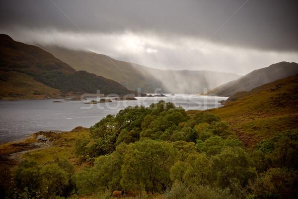Esik az eső tó drámai vihar eső víz Stock fotó © broker
