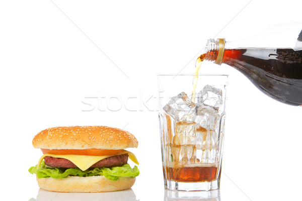 Cheeseburger soude laitue tomate verre Photo stock © broker