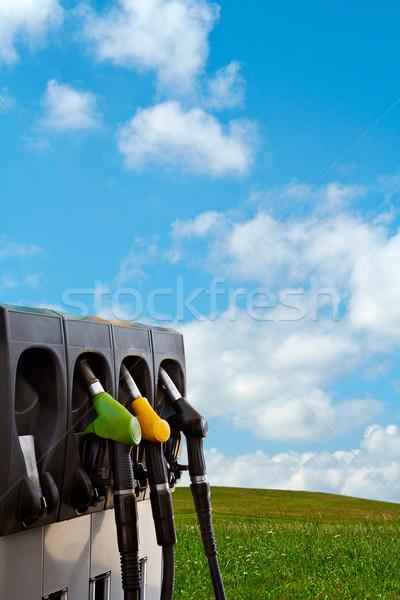 Stock fotó: Természet · energia · három · benzinkút · pumpa · felhők · fű