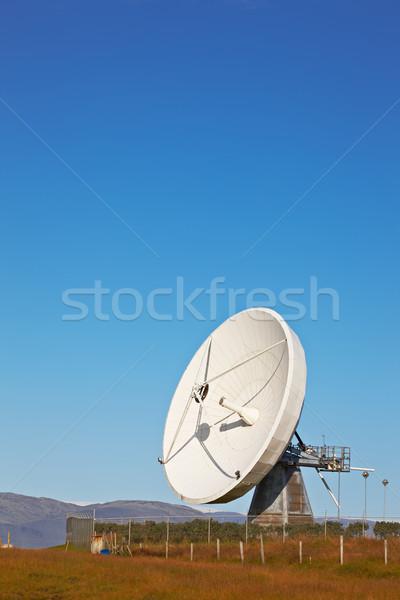 Satélite comunicaciones plato Islandia construcción metal Foto stock © broker