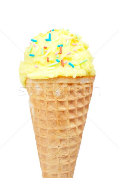 Foto stock: Delicioso · baunilha · sorvete · casquinha · de · sorvete · isolado · branco
