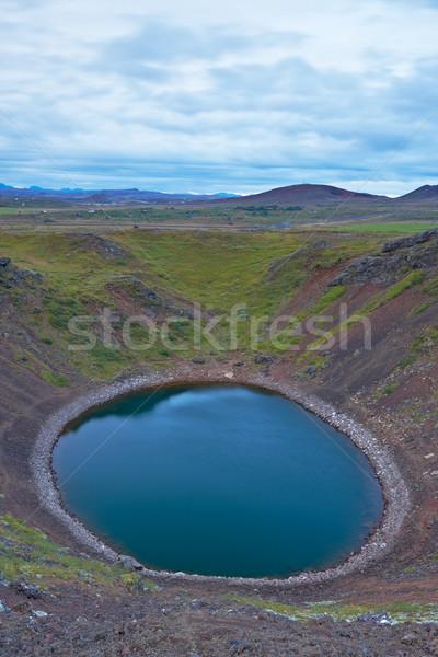 Vulcânico cratera lago sul Islândia água Foto stock © broker