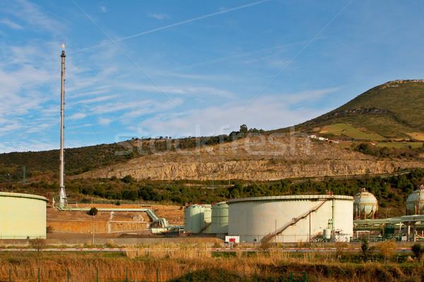Raktár kémény olajfinomító technológia fém ipari Stock fotó © broker