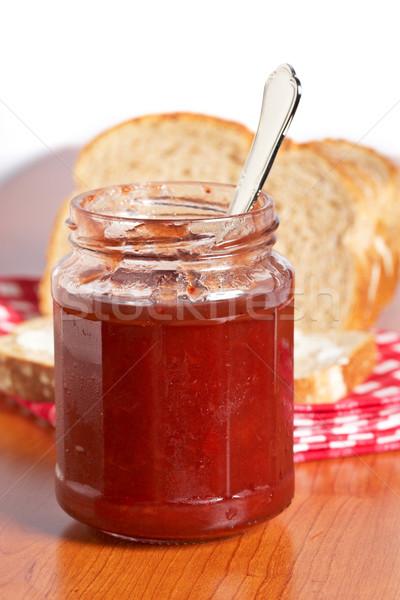 Ontbijt aardbei jam glas jar brood Stockfoto © broker