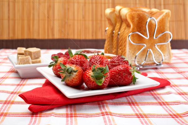 Nyami reggeli eprek edény szeletek kenyér Stock fotó © broker