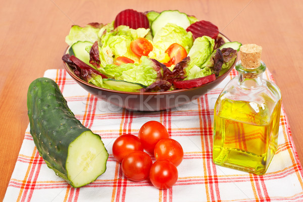 Akdeniz salata marul domates salatalık yağ Stok fotoğraf © broker