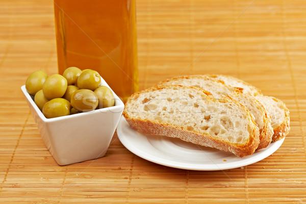Chleba oliwy butelki oliwek płytki Zdjęcia stock © broker