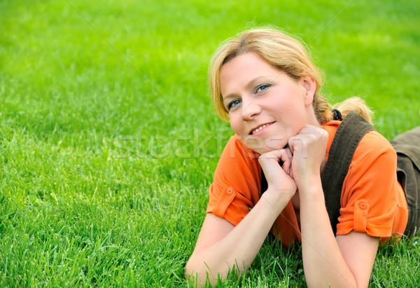 Stockfoto: Jonge · vrouw · ontspannen · gras · voorjaar · gelukkig · tuin