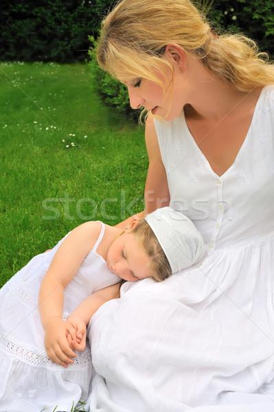 Genç anne kız çayır kız Stok fotoğraf © brozova