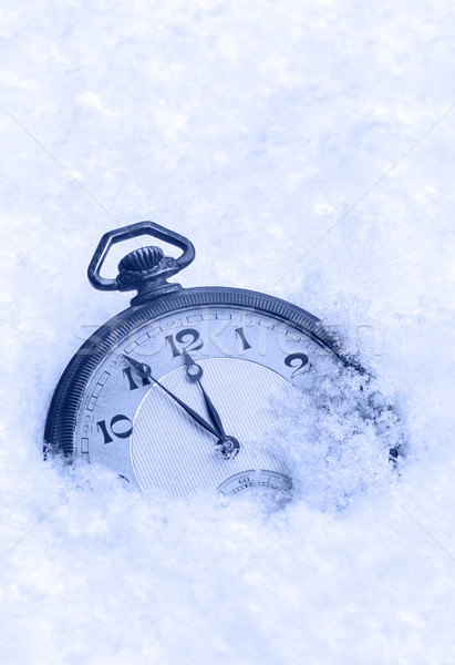 Reloj de bolsillo nieve feliz año nuevo tarjeta de felicitación mano naturaleza Foto stock © brozova