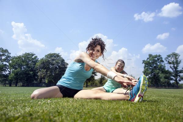 Dwa młodych dziewcząt jogging kobieta sportu Zdjęcia stock © BrunoWeltmann