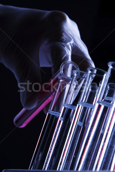 Laboratórium üvegáru teszt csövek kéz gyógyszer Stock fotó © BrunoWeltmann