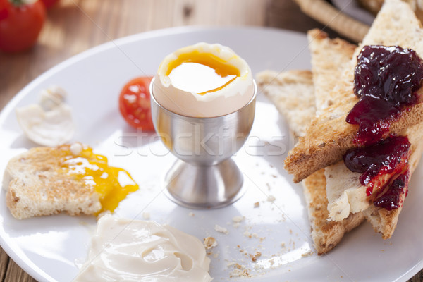 Oeuf matin poivre tomates crouton confiture Photo stock © BrunoWeltmann