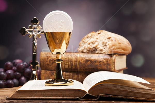 Sagrado objetos Biblia pan vino estudio Foto stock © BrunoWeltmann