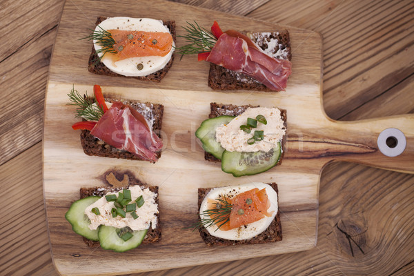 Stockfoto: Heerlijk · weinig · sandwiches · tonijn · kaas · prosciutto