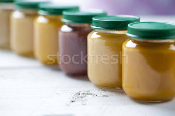 Saine nourriture pour bébés table en bois alimentaire bébé fruits Photo stock © BrunoWeltmann