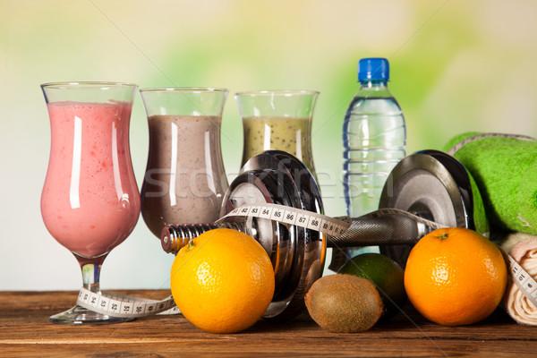 Egészséges étrend fehérje gyümölcsök sport fitnessz víz Stock fotó © BrunoWeltmann