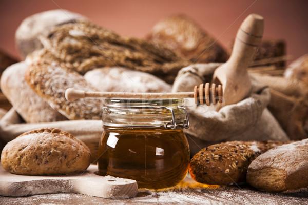 伝統的な パン セット その他 材料 表 ストックフォト © BrunoWeltmann