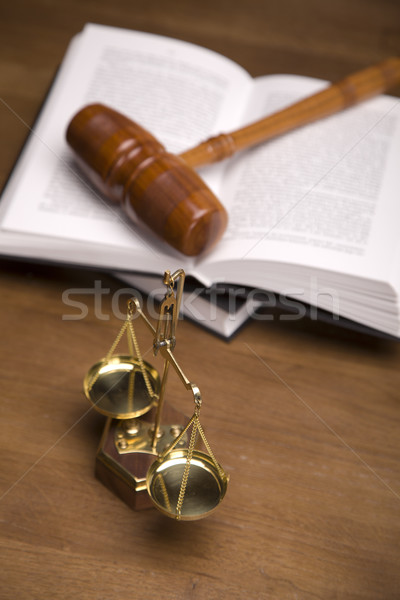 прав Весы правосудия домой интерьер молота Сток-фото © BrunoWeltmann