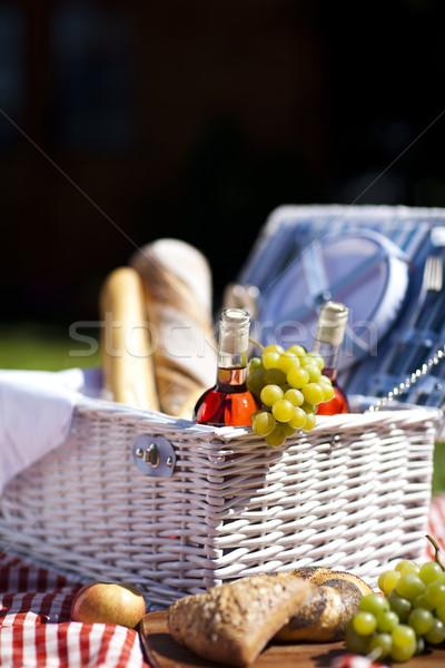 ピクニック 時間 生鮮食品 草 庭園 空 ストックフォト © BrunoWeltmann