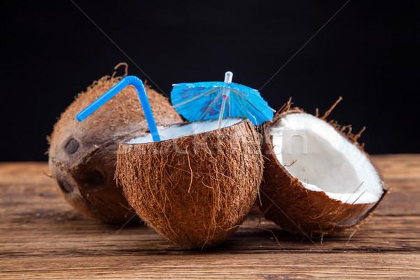 кокосовое молоко дерево молоко оболочки тропические Сток-фото © BrunoWeltmann