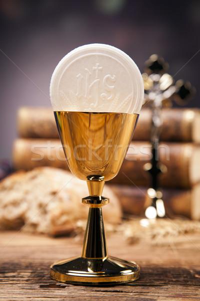 Szent tárgyak Biblia kenyér bor vér Stock fotó © BrunoWeltmann