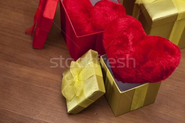 Stock fotó: Gyönyörű · rózsák · hegedű · zene · szeretet · rózsa