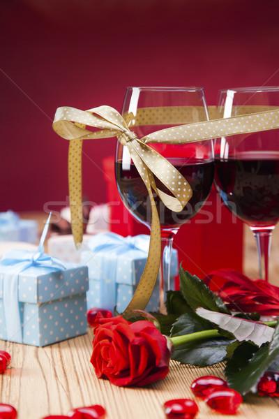 バレンタインデー 日 愛好家 贈り物 情熱的な 赤 ストックフォト © BrunoWeltmann