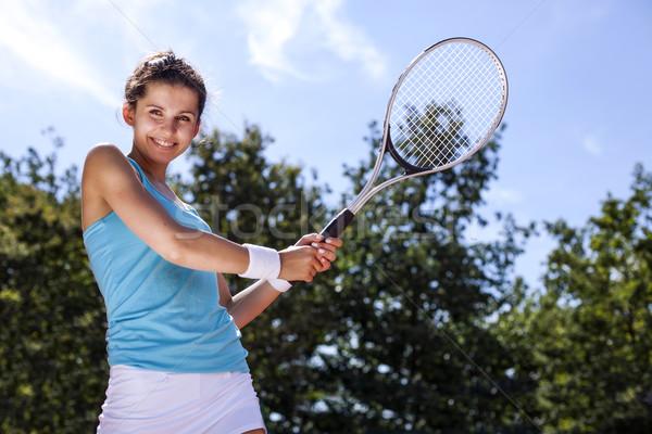 ストックフォト: 若い女の子 · 演奏 · テニス · 美しい · 天気 · かなり