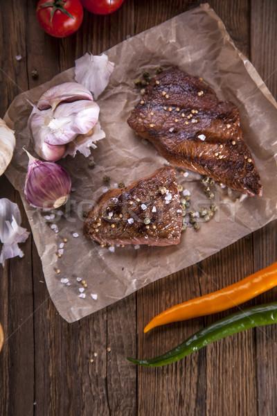 Mükemmel sığır eti hizmet sebze baharatlar Stok fotoğraf © BrunoWeltmann