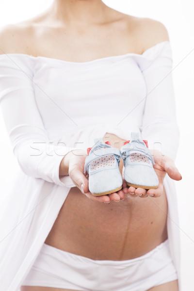 Kobieta w ciąży biała sukienka malutki dziewczyna Zdjęcia stock © BrunoWeltmann