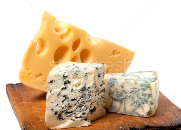 Különböző sajt fából készült konyha tábla öreg Stock fotó © BSANI
