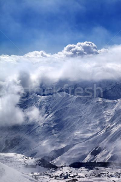 Widoku narciarskie resort mgły kaukaz góry Zdjęcia stock © BSANI