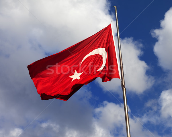 Turco bandera asta de bandera ventoso signo Foto stock © BSANI
