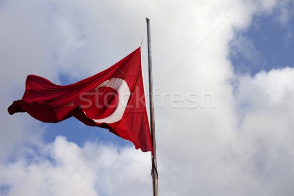 Turco bandeira ventoso dia mastro de bandeira céu Foto stock © BSANI